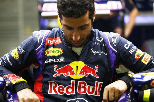 Marina Bay Circuit, Singapore. Thursday 18 September 2014. Daniel Ricciardo, Red Bull Racing. World Copyright: Andy Hone/LAT Photographic. ref: Digital Image _ONZ1883