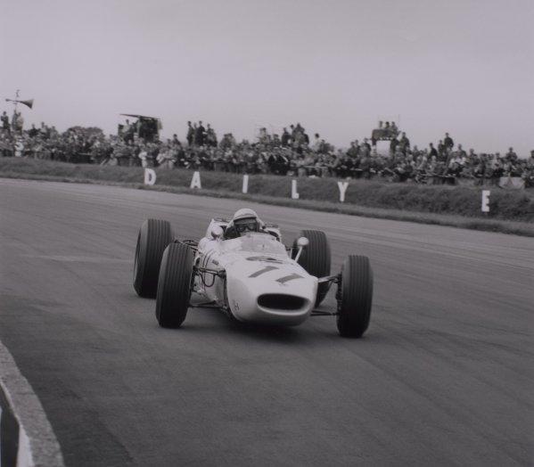 1965 British Grand Prix.Silverstone, Great Britain. 10 July 1965.Richie Ginther, Honda RA272, retired, action. Ref: 29997.World Copyright: LAT Photographic