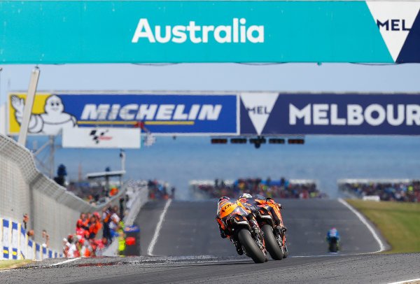 2017 MotoGP Championship - Round 16 Phillip Island, Australia. Sunday 22 October 2017 Pol Espargaro, Red Bull KTM Factory Racing, Bradley Smith, Red Bull KTM Factory Racing World Copyright: Gold and Goose / LAT Images ref: Digital Image 24468
