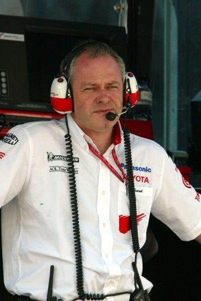 Richard Cregan (IRE) Toyota F1 General Manager.Formula One World Championship, Rd4, San Marino Grand Prix, Imola, Italy, 18 April 2003.DIGITAL IMAGE