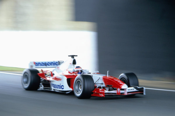 2004 British Grand PrixSilverstone England. 9th - 11th July.Olivier Panis, Toyota TF104. Action. World Copyright:Lorenzo Bellanca/LAT Photographic Ref:35mm image A06