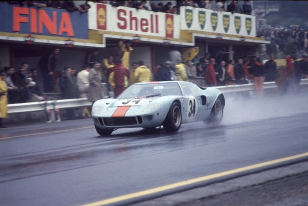 1968 Spa-Francorchamps 1000 kms.Spa-Francorchamps, Belgium.26th May 1968.Paul Hawkins/David Hobbs (Ford GT40), 4th position, action.Ref-68 SPA 03World - LAT Photographic.