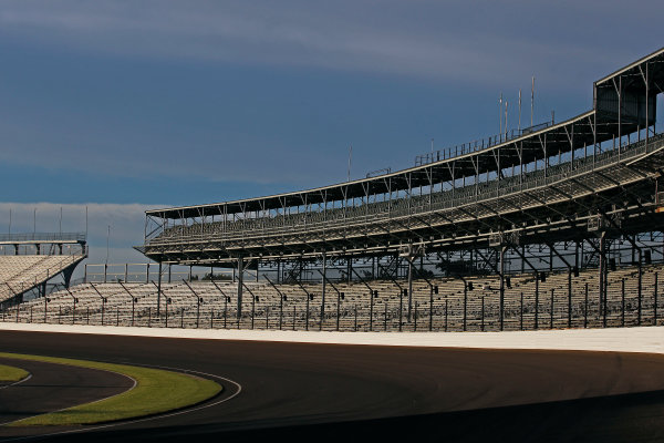 Verizon IndyCar Series Indianapolis 500 Qualifying Indianapolis Motor Speedway, Indianapolis, IN USA Monday 22 May 2017 Turn one World Copyright: Phillip Abbott LAT Images ref: Digital Image abbott_indyQ_0517_21646