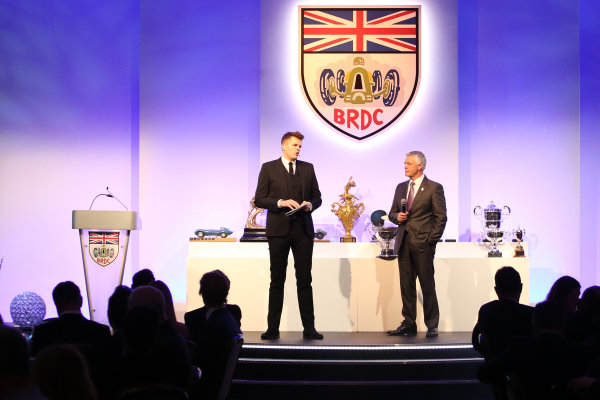 2017 British Racing Drivers Club Awards. London Hilton Hotel, Park Lane, London. Monday 4th December 2017. Jake Humphrey and Derek Warwick. World Copyright: Jakob Ebrey / LAT Images. Ref: Warwick_002