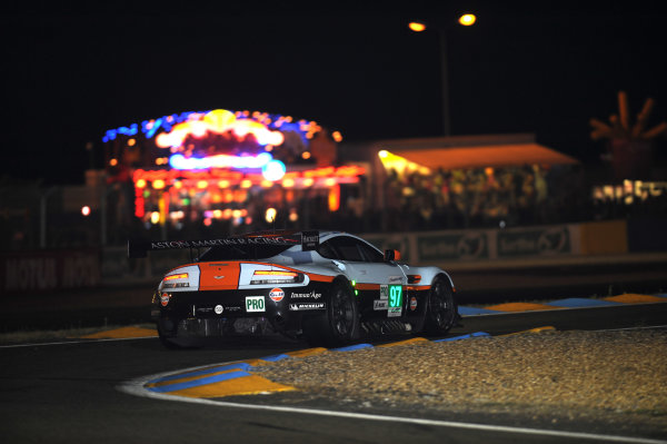 Circuit de La Sarthe, Le Mans, France. 13th - 17th June 2012. Thursday QualifyingStefan Mucke/Darren Turner/Adrian Fernandez, Aston Martin Racing, No 97 Aston Martin Vantage V8. Photo: Jeff Bloxham/LAT Photographicref: Digital Image DSC_2045