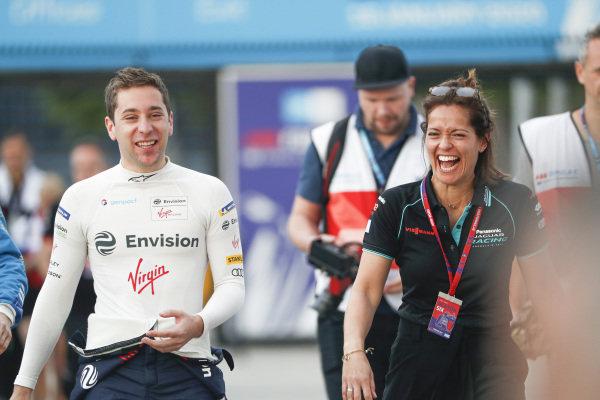 Robin Frijns (NLD), Envision Virgin Racing and Presenter Amanda Stretton