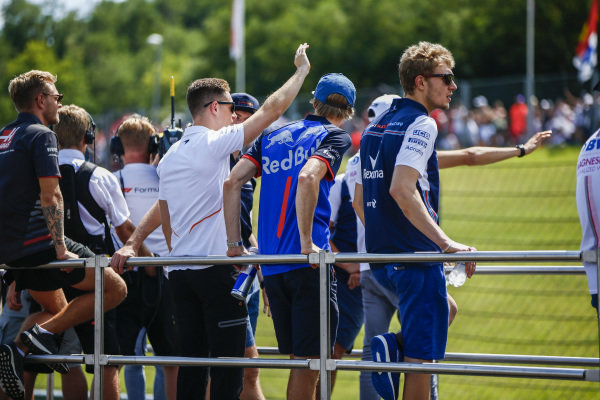 Kevin Magnussen, Haas F1 Team, Stoffel Vandoorne, McLaren, Brendon Hartley, Toro Rosso and Sergey Sirotkin, Williams Racing on the drivers parade