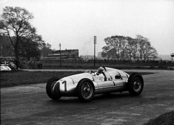 1938 Donington Grand Prix.Donington Park, Great Britain.22 October 1938.Hermann Muller (Auto Union D-typ), 4th position.World - LAT Photographic