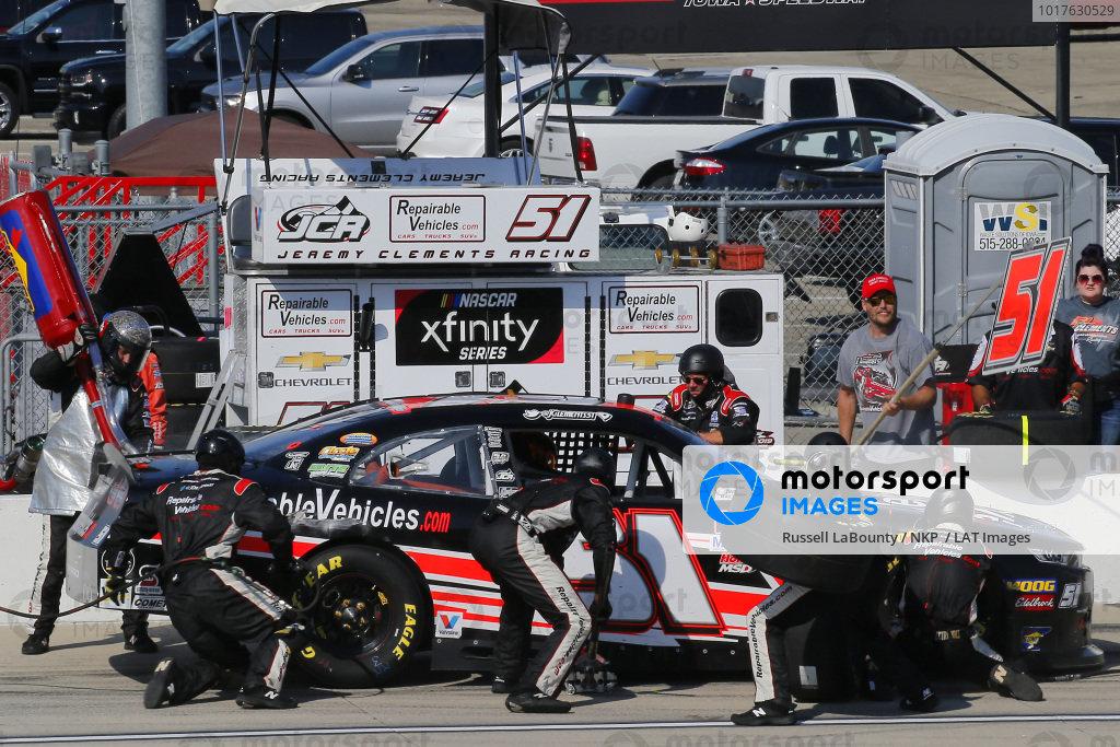 #51: Jeremy Clements, Jeremy Clements Racing, Chevrolet Camaro RepairableVehicles.com pit stop