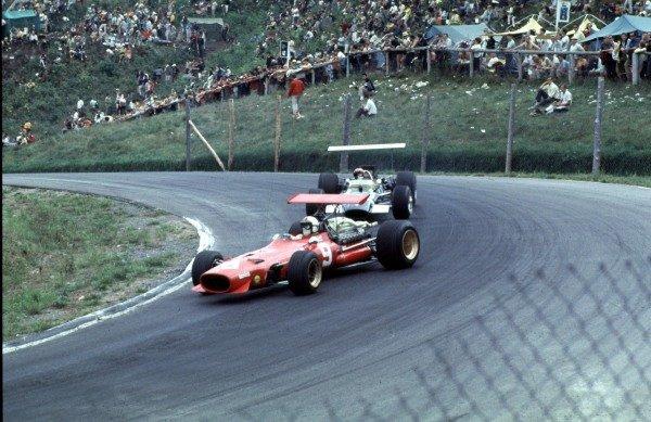 1968 Canadian Grand Prix.Mont-Tremblant, (St. Jovite), Quebec, Canada.20-22 September 1968.Chris Amon (Ferrari 312) leads Jo Siffert (Lotus 49B Ford).Ref-68 CAN 61.World Copyright - LAT Photographic