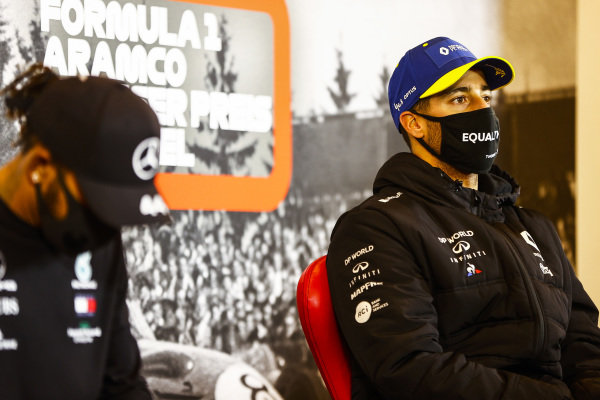 Daniel Ricciardo, Renault F1 and Race Winner Lewis Hamilton, Mercedes-AMG Petronas F1 in the press conference