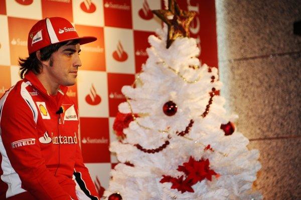 Fernando Alonso (ESP), Ferrari, talks to the media.Santander Christmas Festivities, Madrid, Spain, Monday 19 December 2011. *** Local Caption *** RUBIO