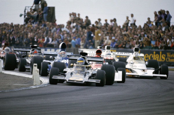 Ronnie Peterson, Lotus 72D Ford leads Niki Lauda, BRM P160E, Denny Hulme, McLaren M23 Ford and Jackie Stewart, Tyrrell 006 Ford.