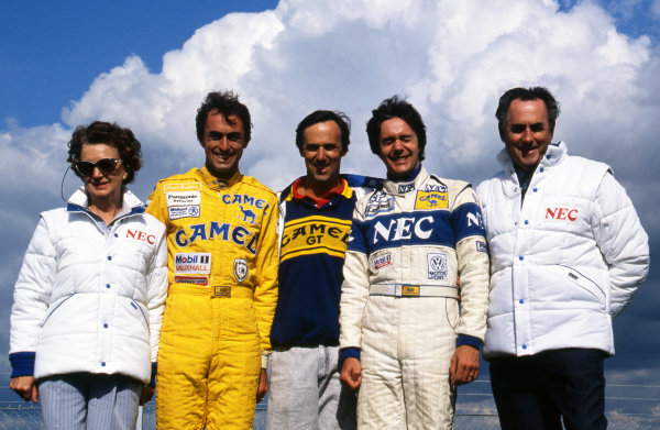 (L to R): Margaret Brabham (AUS) David Brabham (AUS) Geoff Brabham (AUS) Gary Brabham (AUS) Sir Jack Brabham (AUS) 1989.