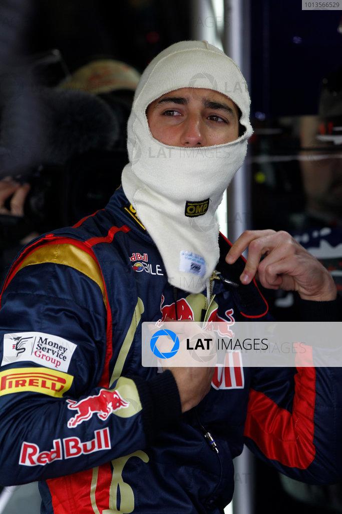 Albert Park, Melbourne, Australia 25th March 2011. Daniel Ricciardo, Toro Rosso STR6. Portrait.  World Copyright: Andrew Ferraro/LAT Photographic ref: Digital Image _Q0C7575