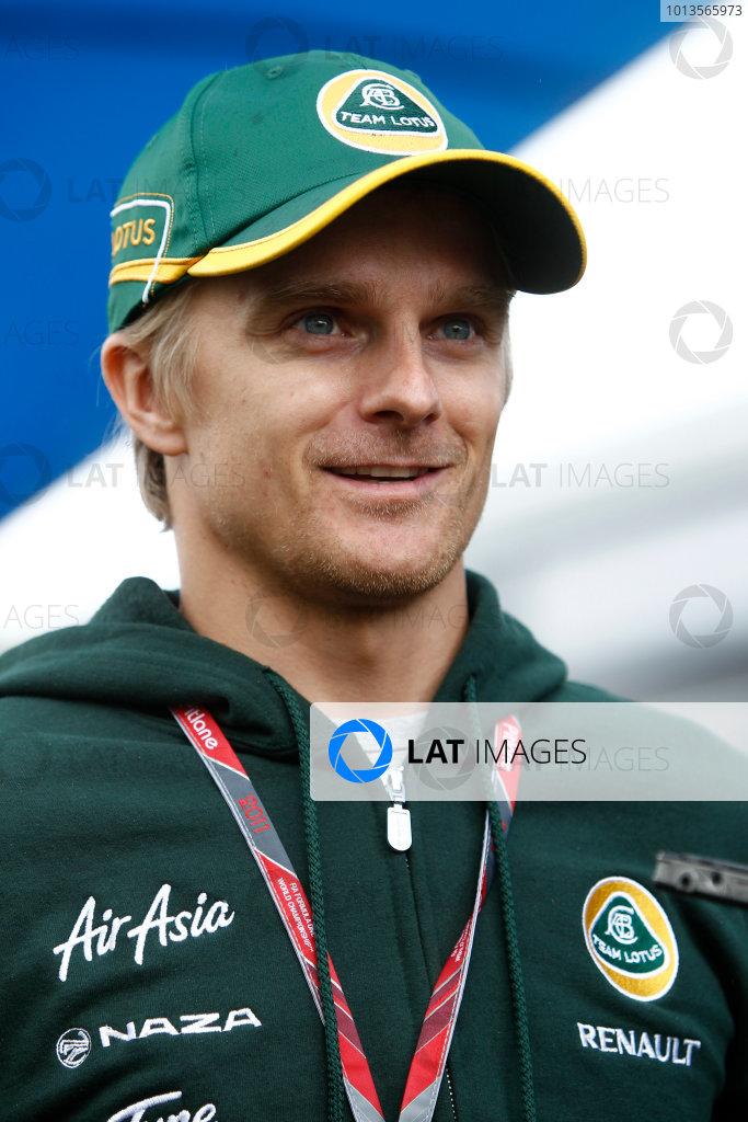 Albert Park, Melbourne, Australia 24th March 2011. Heikki Kovalainen, Team Lotus Renault T128. Portrait. World Copyright: Andrew Ferraro/LAT Photographic ref: Digital Image _Q0C6715
