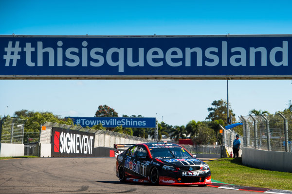 2017 Supercars Championship Round 7.  Townsville 400, Reid Park, Townsville, Queensland, Australia. Friday 7th July to Sunday 9th July 2017. Scott Pye drives the #2 Mobil 1 HSV Racing Holden Commodore VF. World Copyright: Daniel Kalisz/ LAT Images Ref: Digital Image 070717_VASCR7_DKIMG_716.jpg