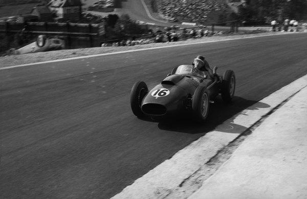 Spa-Francorchamps, Belgium. 15 June 1958.Mike Hawthorn (Ferrari Dino 246), 2nd position , action.World Copyright: LAT PhotographicRef: 7916D - 21