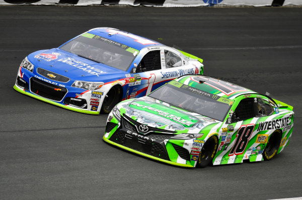 Monster Energy NASCAR Cup Series Bank of America 500 Charlotte Motor Speedway, Concord, NC USA Sunday 8 October 2017 Kyle Busch, Joe Gibbs Racing, Interstate Batteries Toyota Camry and Jamie McMurray, Chip Ganassi Racing, Sherwin-Williams Chevrolet SS World Copyright: Nigel Kinrade LAT Images