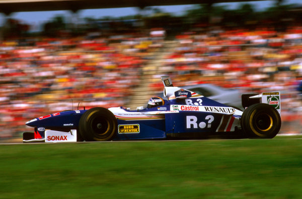 Hockenheim, Germany.25-27 July 1997.Heinz-Harald Frentzen (Williams FW19 Renault) failed to finish after a collision with Irvine on lap 1.Ref-97 GER 23.World Copyright - LAT Photographic