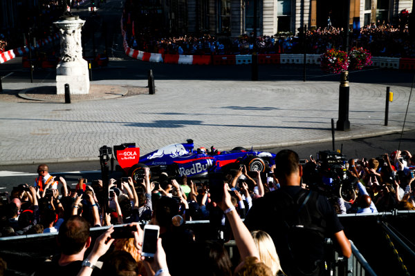 London, United Kingdom.  Wednesday 12 July 2017. Carlos Sainz Jr, Toro Rosso STR12 Renault. World Copyright: Joe Portlock/LAT Images  ref: Digital Image _L5R7267