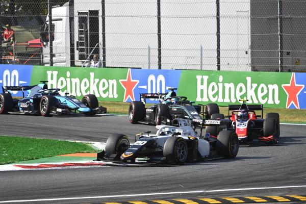 Matteo Nannini (ITA, Campos Racing) Marino Sato (JPN, Trident)