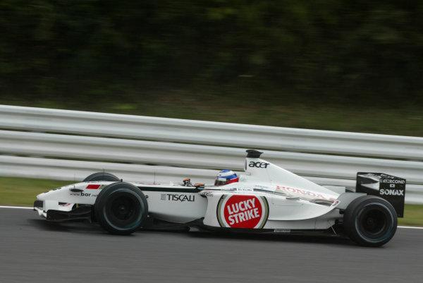 2002 Japanese Grand Prix.Suzuka, Japan. 11-13 October 2002.Olivier Panis (B.A R. 004 Honda).World Copyright - LAT Photographicref: Digital File Only