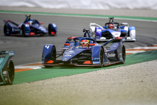 Robin Frijns (NLD), Envision Virgin Racing, Audi e-tron FE07, leads Maximilian Guenther (DEU), BMW I Andretti Motorsports, BMW iFE.21