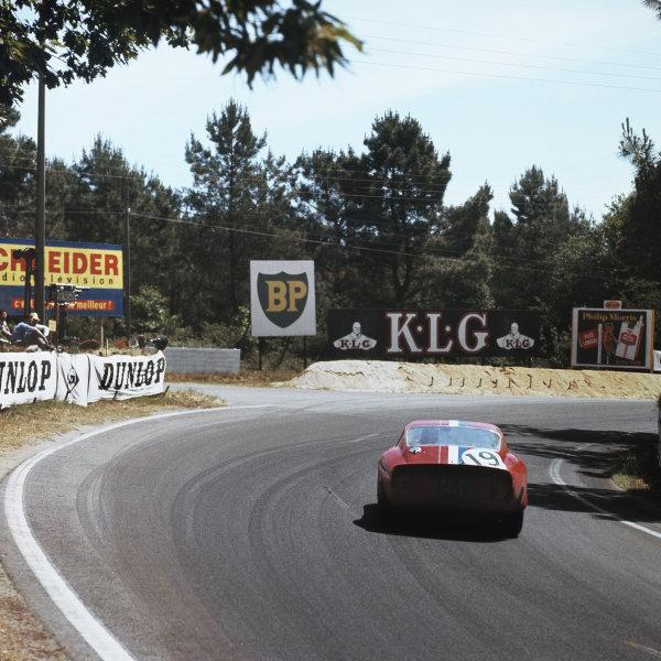 Le Mans, France. 22 - 23 June 1962Jean Guichet/Pierre Noblet (Ferrari 250 GTO), 2nd position, action.World Copyright: LAT PhotographicRef: 571