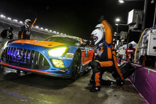 #74 Riley Motorsports Mercedes-AMG GT3, GTD: Lawson Aschenbach, Gar Robinson, pit stop