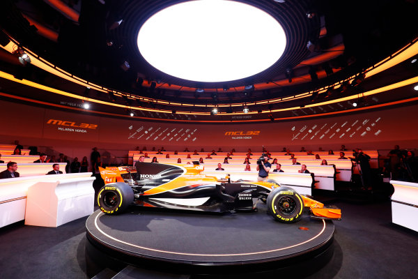 McLaren MCL32 Honda Formula 1 Launch. McLaren Technology Centre, Woking, UK. Friday 24 February 2017. The MCL32 is revealed on stage. World Copyright: Steven Tee/LAT Images Ref: _R3I5128