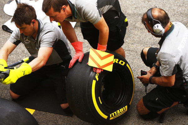 Circuit de Catalunya, Barcelona, Spain. Thursday 8 May 2014. Mercedes engineers prepare some tyres. World Copyright: Andy Hone/LAT Photographic. ref: Digital Image _ONY7853