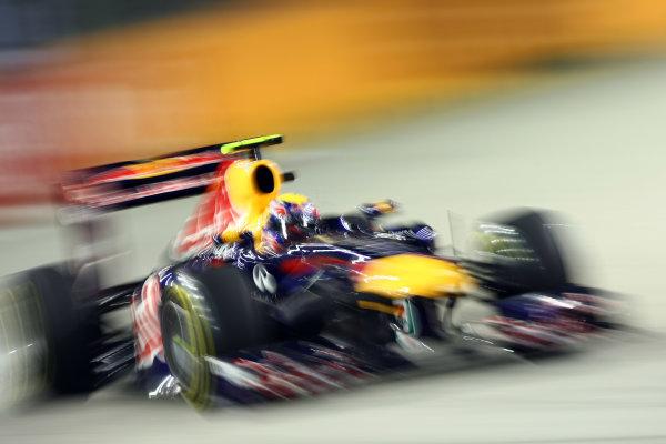 Marina Bay Circuit, Singapore.24th September 2011.Mark Webber, Red Bull Racing RB7 Renault. Action. World Copyright: Andy Hone/LAT Photographicref: Digital Image CSP28171
