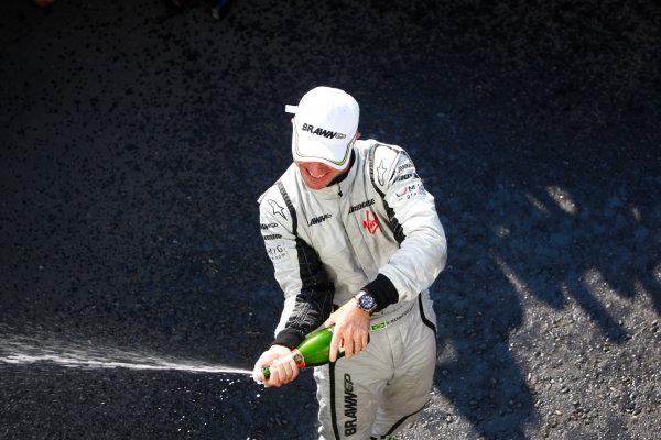 Autodromo Nazionale di Monza, Monza, Italy.13th September 2009.Rubens Barrichello, Brawn GP BGP001 Mercedes, 1st position, celebrates victory. Portrait. World Copyright: Steven Tee/LAT Photographicref: Digital Image _O3Q7457