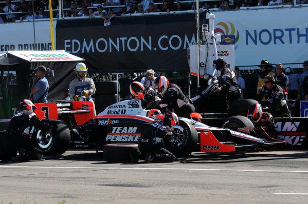 23-25 July, 2010, Edmonton, Alberta, CanadaHelio Castroneves pit stop.©2010, Paul Webb, USALAT Photographic