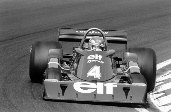 Zandvoort, Holland. 27th - 29th August 1976. Patrick Depallier (Tyrrell P34-Ford), 7th position, action.  World Copyright: LAT Photographic.  Ref:  9061 - 24A.