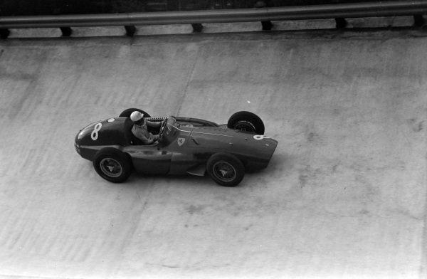 Maurice Trintignant, Ferrari 555.
