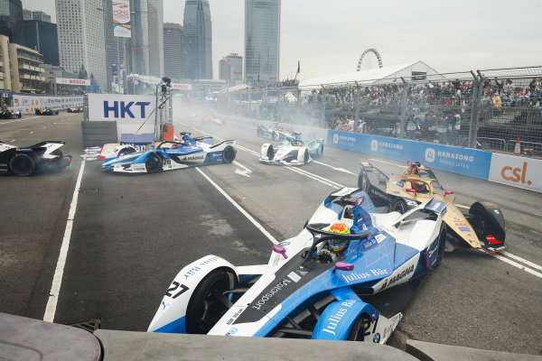 Alexander Sims (GBR) BMW I Andretti Motorsports, BMW iFE.18 crashes into the barrier, collecting Jean-Eric Vergne (FRA), DS TECHEETAH, DS E-Tense FE19 behind