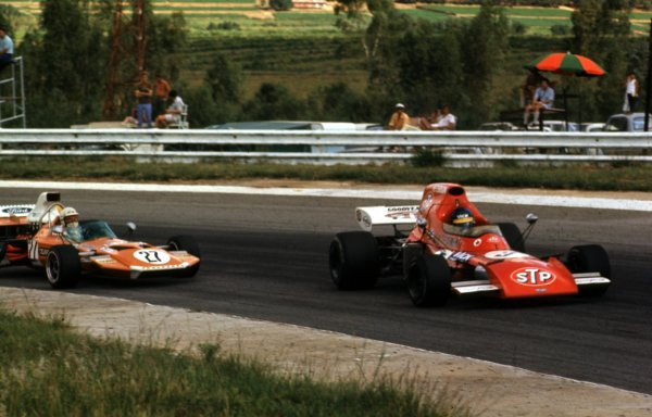 1972 South African Grand Prix.Kyalami, South Africa.2-4 March 1972.Ronnie Peterson (March 721 Ford) passes John Love (Surtees TS9 Ford). Peterson finished in 5th position.Ref-72 SA 29.World Copyright - LAT Photographic