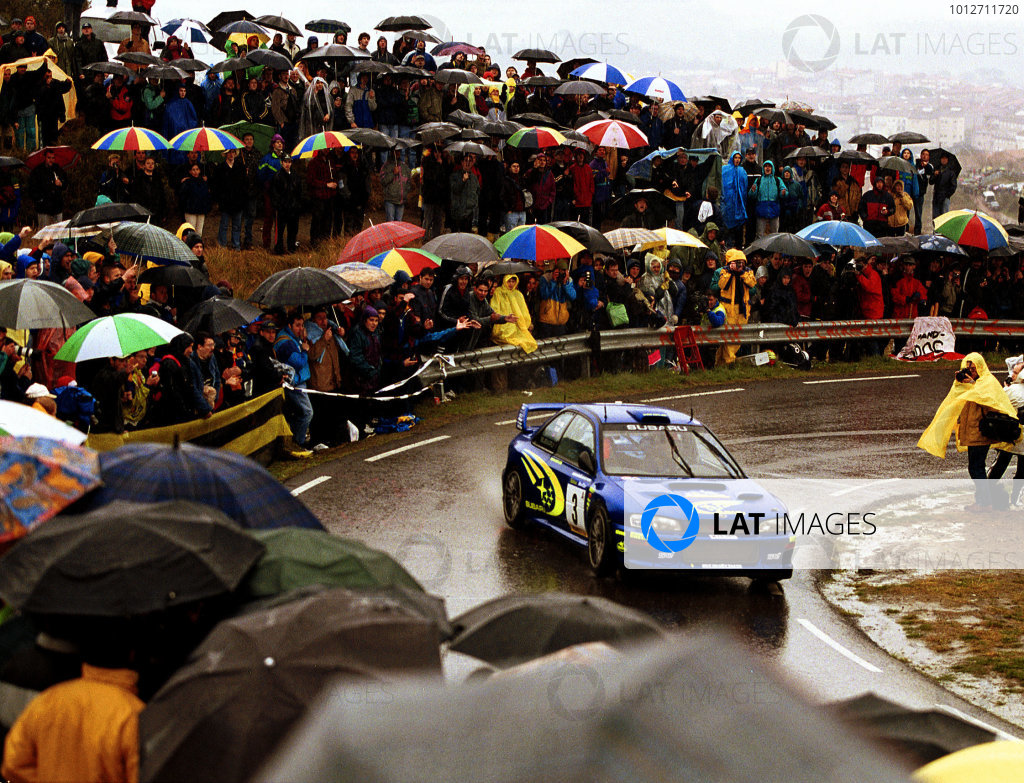 Richard Burns in his Subaru Impreza WRC2000, leads after leg 1 of the Catalunya