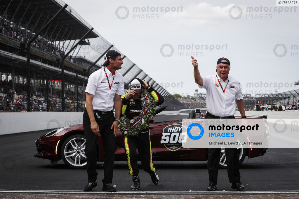 Simon Pagenaud, Team Penske Chevrolet, Victory Lane, Corvette Pace Car, Roger Penske, Tim Cindric