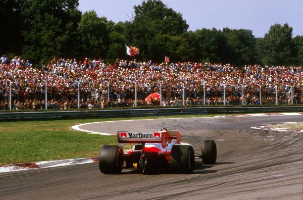 Monza, Italy.7-9 September 1984.Niki Lauda (McLaren MP4\2 TAG Porsche) 1st position at the Rettifilo Chicane.Ref-84 ITA 03.World Copyright - LAT Photographic
