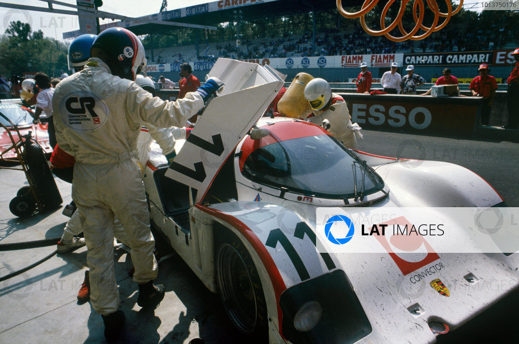 Monza 480 Kms. Monza, Italy. 24th April 1990. Rd 2.Anders Olofsson/Anthony Reid (Porsche 962CK6), 10th position, pit stop action. World Copyright: LAT Photographic.Ref:  90MONZ01