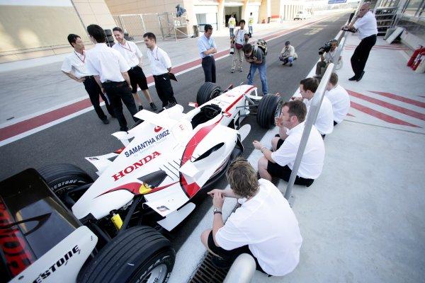 2006 Bahrain Grand Prix - Thursday PreviewBahrain International Circuit, Sakhir, Bahrain9th - 12th March.The Super Aguri SA05.World Copyright: Charles Coates/LAT Photographicref: Digital Image ZK5Y5816.