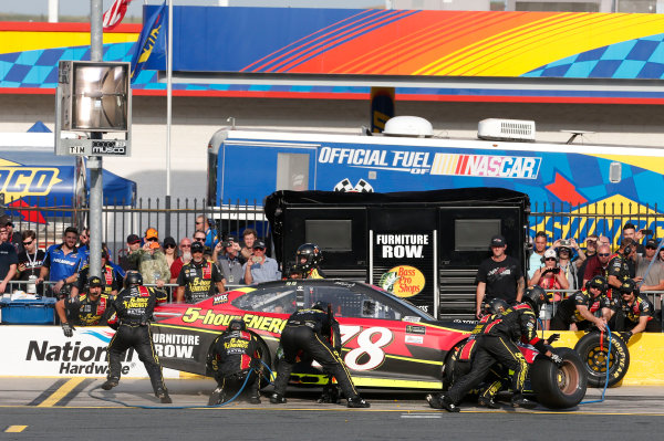 Monster Energy NASCAR Cup Series Monster Energy NASCAR All-Star Race Charlotte Motor Speedway, Concord, NC USA Friday 19 May 2017 Martin Truex Jr, Furniture Row Racing, 5-hour Energy Extra Strength Toyota Camry World Copyright: Matthew T. Thacker LAT Images ref: Digital Image 17CLT1mt1363