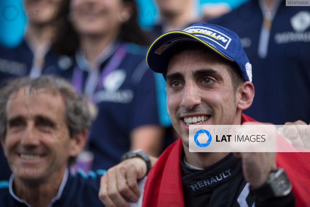 2016/2017 FIA Formula E Championship. Buenos Aires ePrix, Buenos Aires, Argentina. Saturday 18 February 2017 Sebastien Buemi (9, Renault e.dams) celerates with Alain Prost. Photo: Alastair Staley/LAT/Formula E ref: Digital Image 580A7567