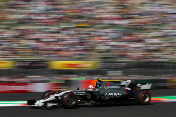 Autodromo Hermanos Rodriguez, Mexico City, Mexico. Friday 27 October 2017. Kevin Magnussen, Haas VF-17 Ferrari. World Copyright: Charles Coates/LAT Images  ref: Digital Image DJ5R1295