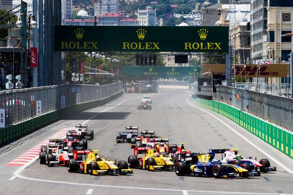 2017 FIA Formula 2 Round 4. Baku City Circuit, Baku, Azerbaijan. Saturday 24 June 2017. Oliver Rowland (GBR, DAMS), Sean Gelael (INA, Pertamina Arden) at the start of the race. Photo: Zak Mauger/FIA Formula 2. ref: Digital Image _56I7435