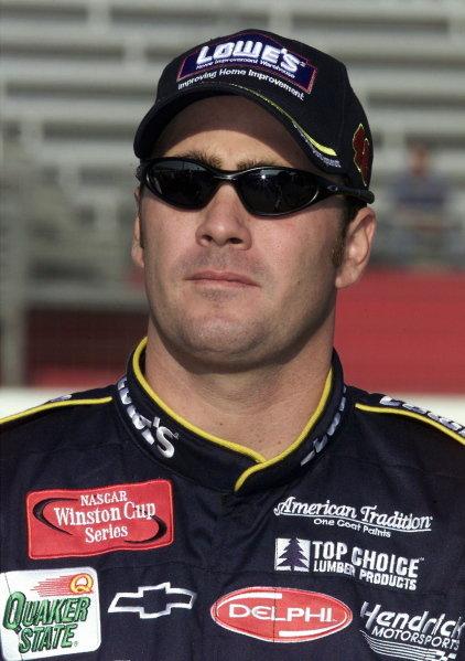 Jimmy Johnson (USA) Lowes Chevrolet finished twenty-ninth.NASCAR Winston Cup Series, NAPA 500, Atlanta, USA, 17 November 2001.DIGITAL IMAGE
