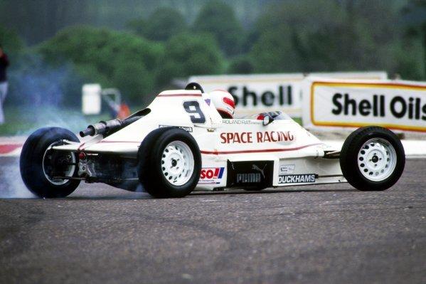 Roland Ratzenberger (AUT) Van Diemen suffers a spin.1986 British Formula Ford 1600 Championship.